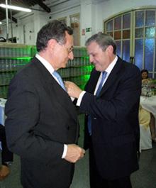 Durante la cena se ofició el traspaso de poderes, entre el Dr. Antoni Coscujuela, Presidente cesante, y el nuevo Presidente de la SECCA, Dr. Eduardo García Cimbrelo.